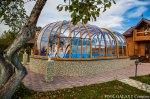 Павильон с двумя полусферами с профилем под деревом, Домодедовский район, Московская область,частные владения.